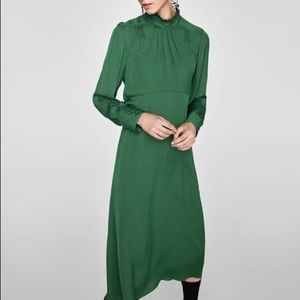 NWOT Zara green satin long sleeve dress